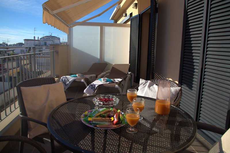 WHITE PENTHOUSE, vacation rental in Sitges