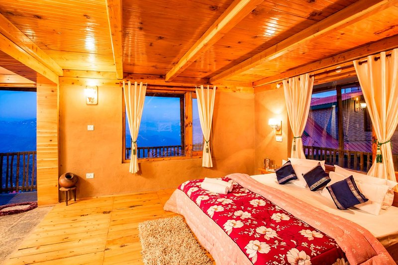 ZostelX Cheog Mud Wall Room | Apple Orchard |, vacation rental in Fagu