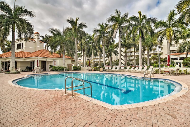 Get away to the Sunshine State at this 2-bedroom, 2-bath vacation rental condo.