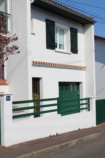APPARTEMENT EN DUPLEX AVEC JARDIN, location de vacances à Ciboure