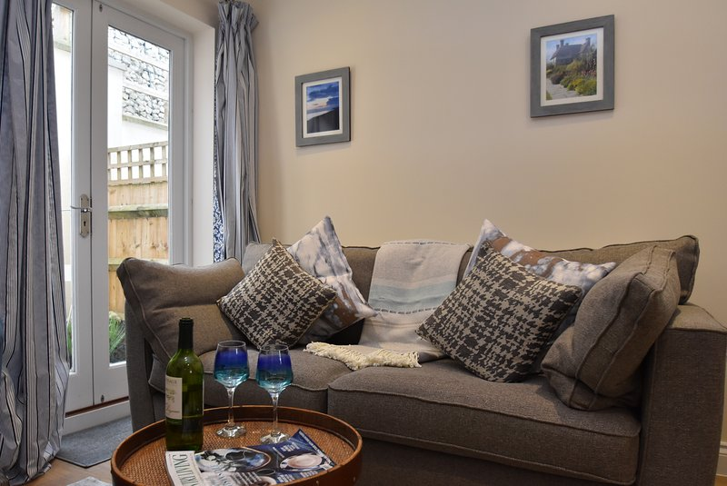 Curlew House, sleeps 4, close to the centre of Rye, East Sussex, vacation rental in Playden