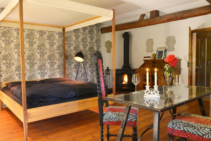 Hofatelier Menacher Renaissancestübchen Studio mit Kamin und Terrasse, alquiler de vacaciones en Strazny