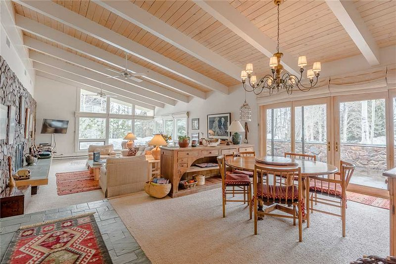 Saddle Road Home   104, holiday rental in Sun Valley