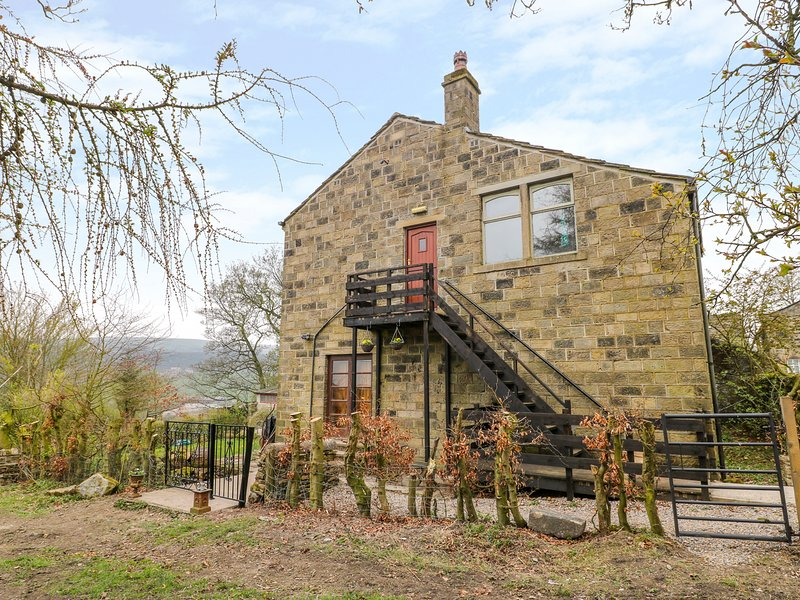 HIGHVIEW, pet-friendly, WiFi, in Oxenhope, holiday rental in Ogden