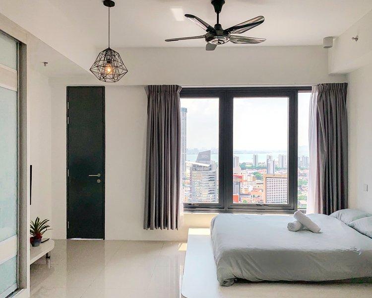 Minimalist Studio UPDATED 2019: Studio Apartment in George ...