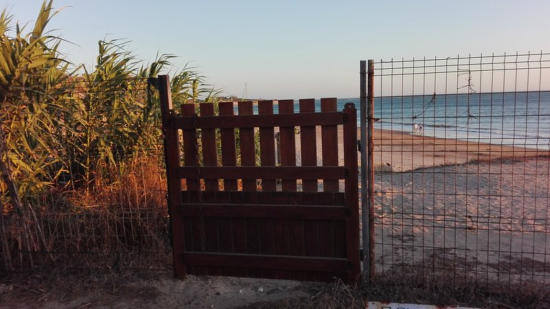 Our direct exit door to the beach.