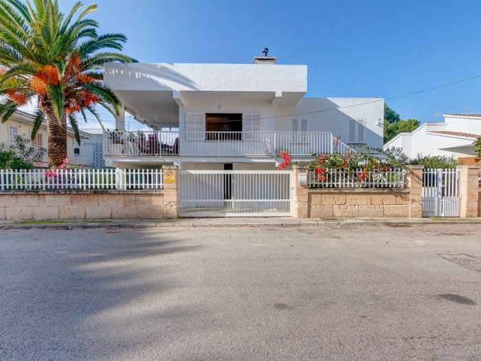 Can Miquelet - Beautiful apartment with garden and terrace in Port d'Alcúdia, holiday rental in Alcudia
