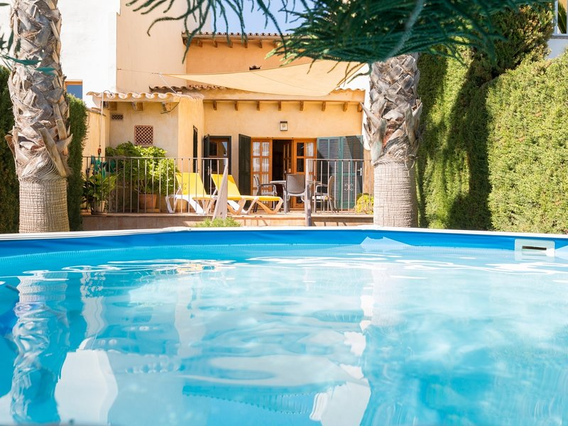 Can Olivera - Beautiful townhouse with private pool in Llubí, holiday rental in Llubi