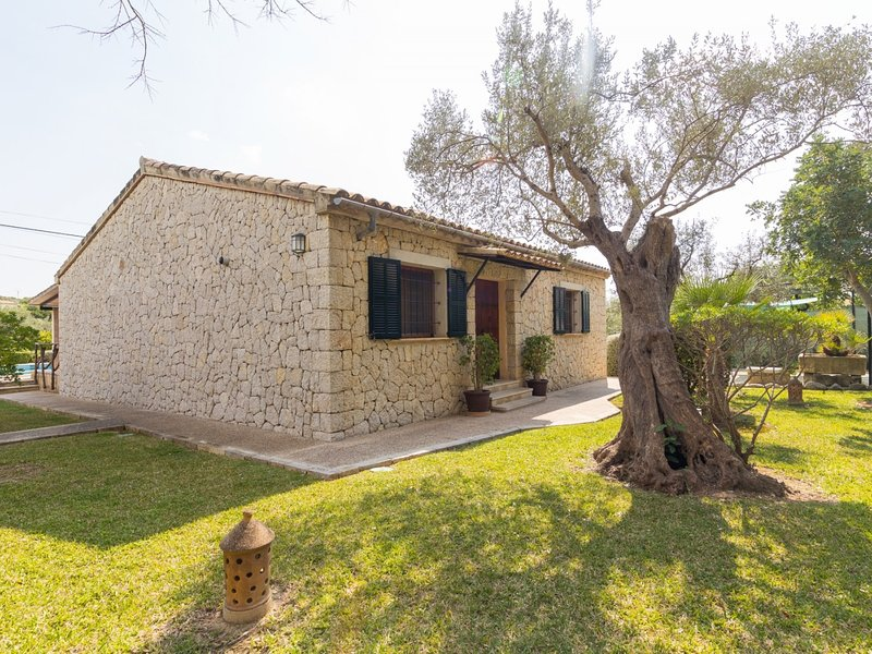 Can Pereo - Beautiful villa with pool and garden in Selva, alquiler vacacional en Moscari