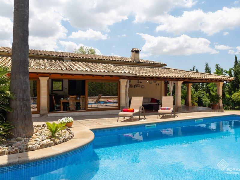 Es Pou de Biniamar - Beautiful villa with pool in Selva, location de vacances à Selva