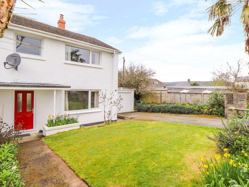 BOSWYNN, WiFi, Open-plan living, Woodburner, Tregorrick, holiday rental in St Austell