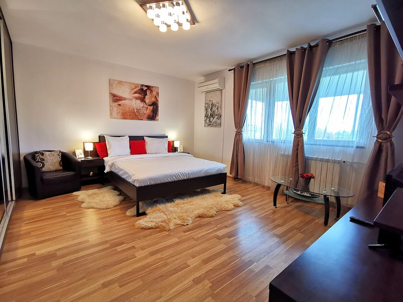 ♥️ COMFY FLAT WITH BALCONY NEAR PARK / METRO / AMENITIES, holiday rental in Pantelimon