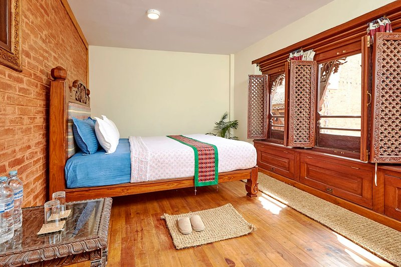 Antique Nest 1BR – 2 Mins from Patan Museum, holiday rental in Madhyapur Thimi