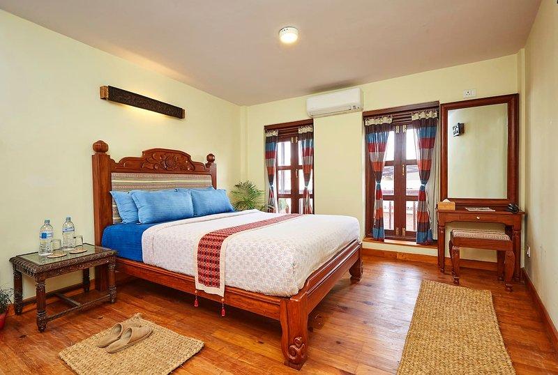 Attic Suite 1BR near Yala Mandala Patan – heavenly, holiday rental in Madhyapur Thimi