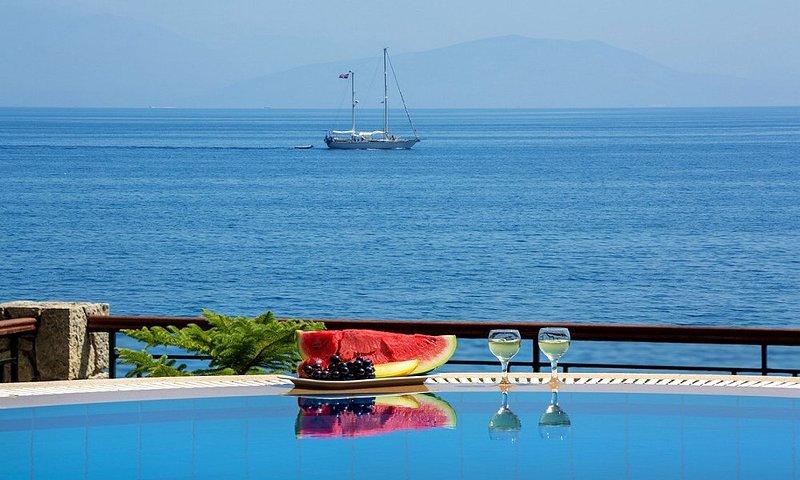 Beachfront Villa Benele, holiday rental in Kanálion