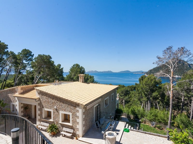Formentor - Spectacular luxury villa with sea views in Formentor, casa vacanza a Formentor