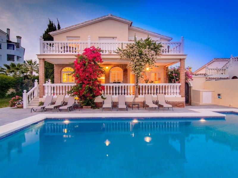 Las Chapas Playa villa heated pool, terraces, garden, pergola, vacation rental in Marbella