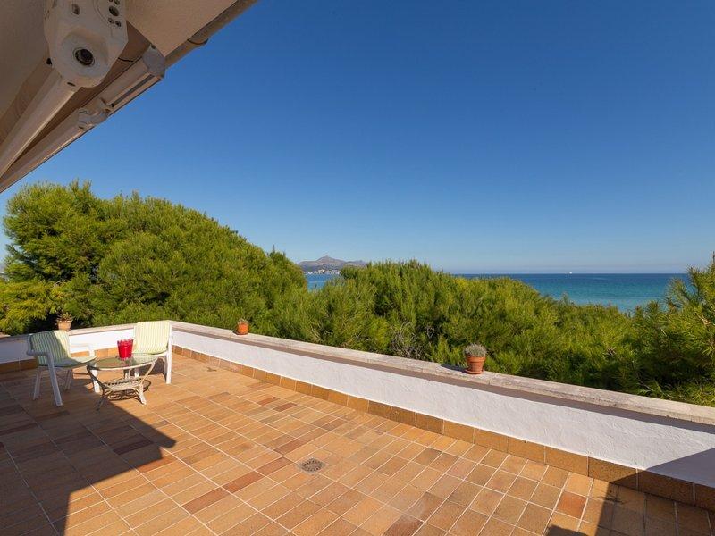 Franciscus - Spectacular villa on the beachfront of Platges de Muro, holiday rental in Playa de Muro