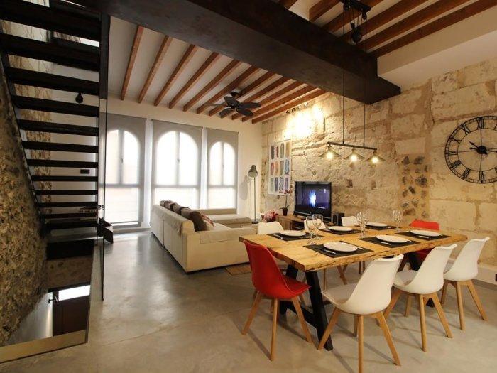 Mercat 16 - Beautiful design house with terrace in Sa Pobla, holiday rental in Sa Pobla
