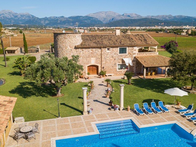 Moli de Garriga - Spectacular finca with pool and garden in sa Pobla, vacation rental in Sa Pobla