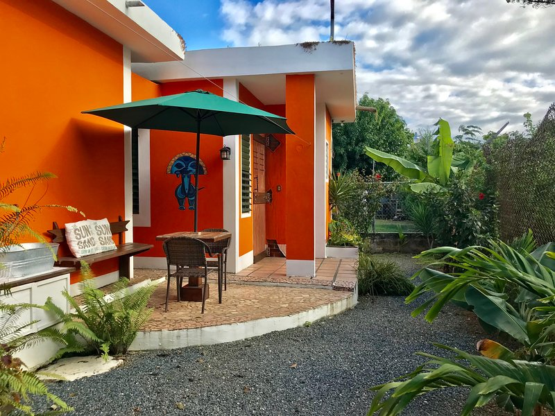 Travel to Luna en iL Sognatore Guest House, holiday rental in San Antonio
