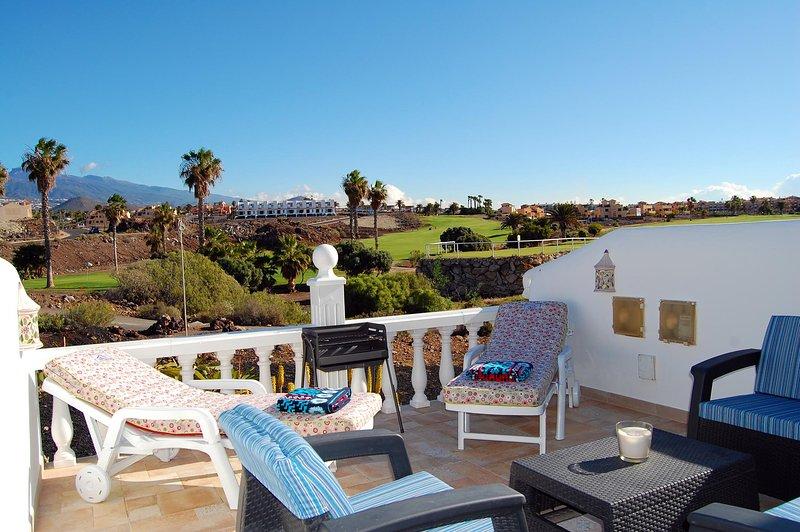 Fairways, Amarilla Golf and Country Club-QUALITY 1 bed apartment, location de vacances à Golf del Sur