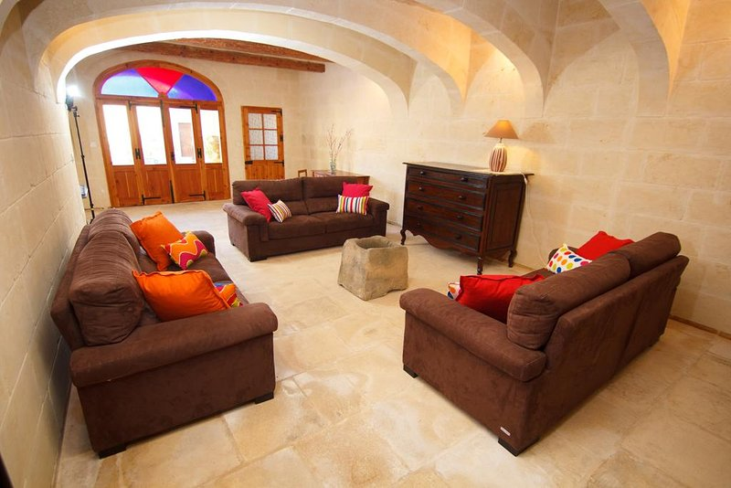 Maria's BnB  Economy Double Room 2, vacation rental in Ghasri