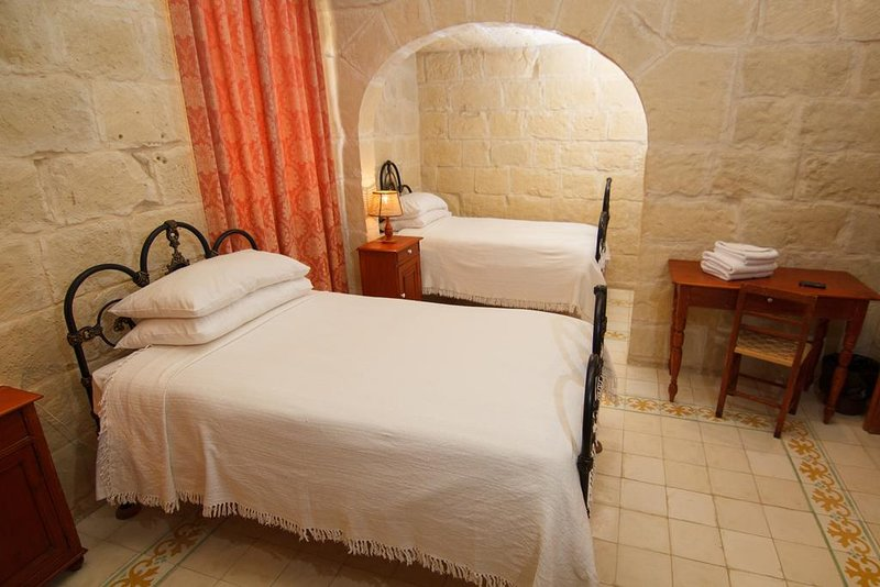 Maria's BnB Double or Twin Room 4, vacation rental in Ghasri