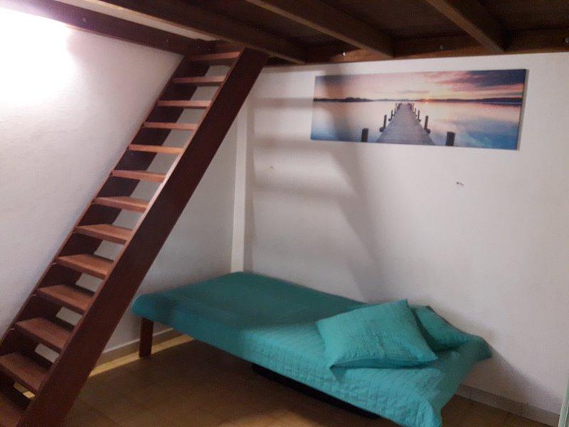 Beautiful studio near the beach, vacation rental in Tartane