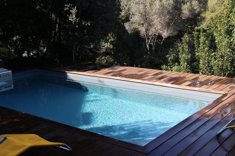 SUR MAGNIFIQUE VUE BAIE DE TOULON VILLA D'ARCHITECTE RENOVEE, vacation rental in Saint-Mandrier-sur-Mer