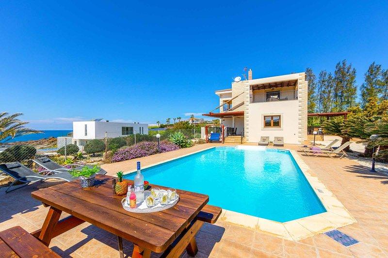 Villa Agnati Leto, holiday rental in Nea Dimmata