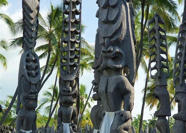 Pu'uhonua o Honaunau National Historical Park Tiki Gods