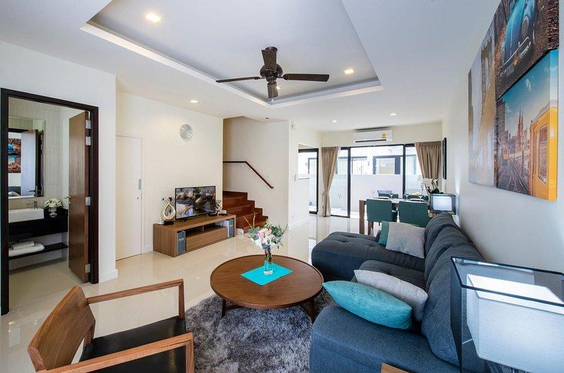 3 BDR Laguna Park Phuket Holiday Home, Nr. 16, holiday rental in Cherngtalay