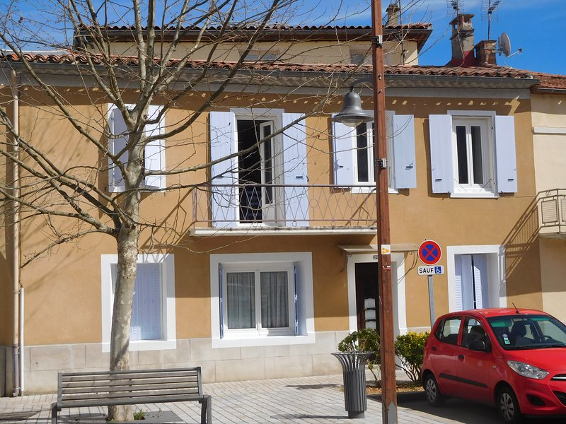 Quillan Town Centre - Superb Location, holiday rental in Quillan