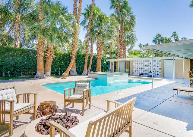 Twin Palms Mid-Century Home w/ Mountain-View Pool & Spa, holiday rental in Palm Springs