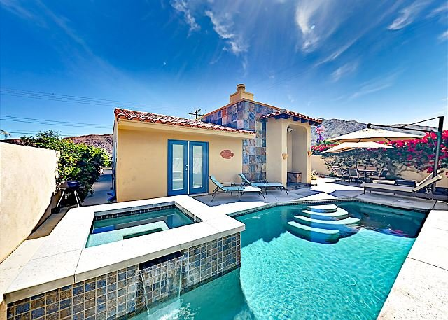 Mountain-View Retreat with Private Pool & Spa | Near Old Town 2BR #102407, alquiler de vacaciones en Greater Palm Springs