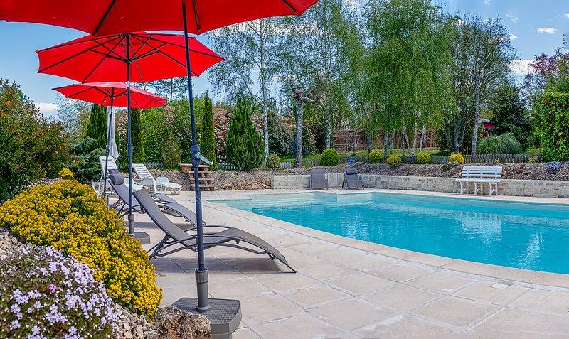 MULBERRY TREE Villa - Luxury Villa - Heated Pool, Hot tub, Gym, Garden, Calm, casa vacanza a Saint-Cyprien