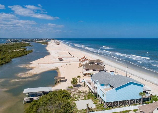 Beachfront Sapphire: Luxe Stilted Home - Expansive Deck, Ocean & Estuary View, alquiler de vacaciones en Marineland