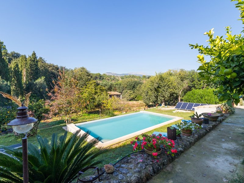 Pou Bo - Beautiful villa with pool and garden in Campanet, vacation rental in Campanet