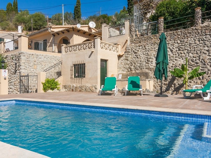 Sa Font - Beautiful house with pool and garden in Puigpunyent, location de vacances à Galilea