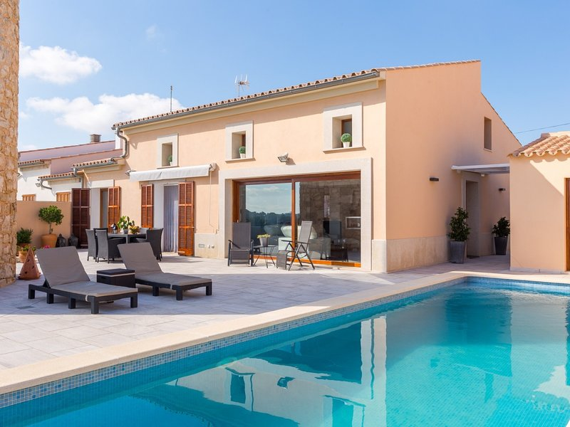 Sa Riba - Spectacular house with pool in Muro, holiday rental in Muro