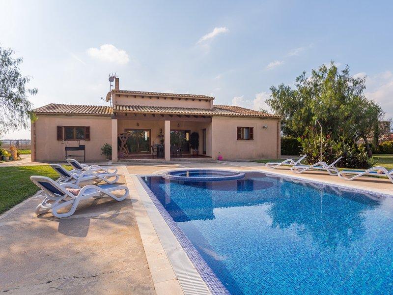 Son Crestes - Beautiful villa with pool and garden in sa Pobla, location de vacances à Sa Pobla
