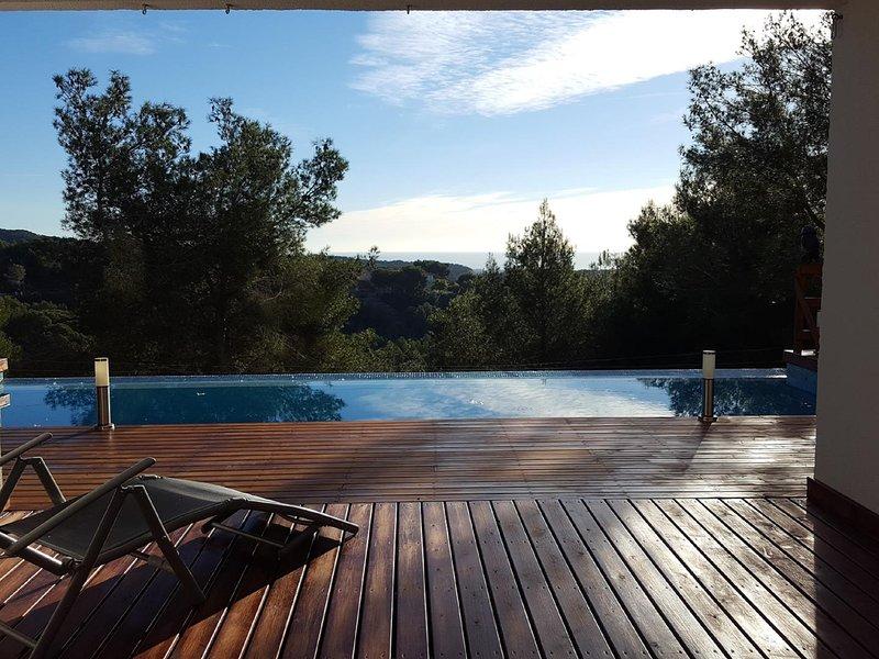 Suitur Mediterranean villa with infinity pool, vacation rental in L'Arboc