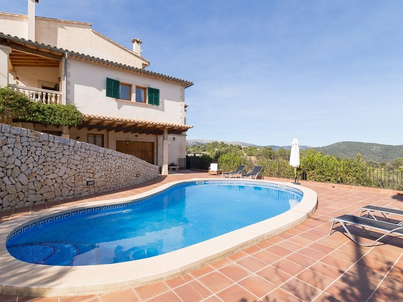 Villa Bellavista - Beautiful villa with pool and garden in Campanet, vacation rental in Campanet