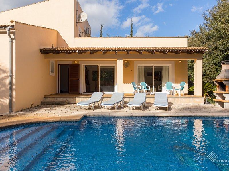 Villa Garballo - Beautiful house with pool and garden near Pollença, location de vacances à Sa Pobla
