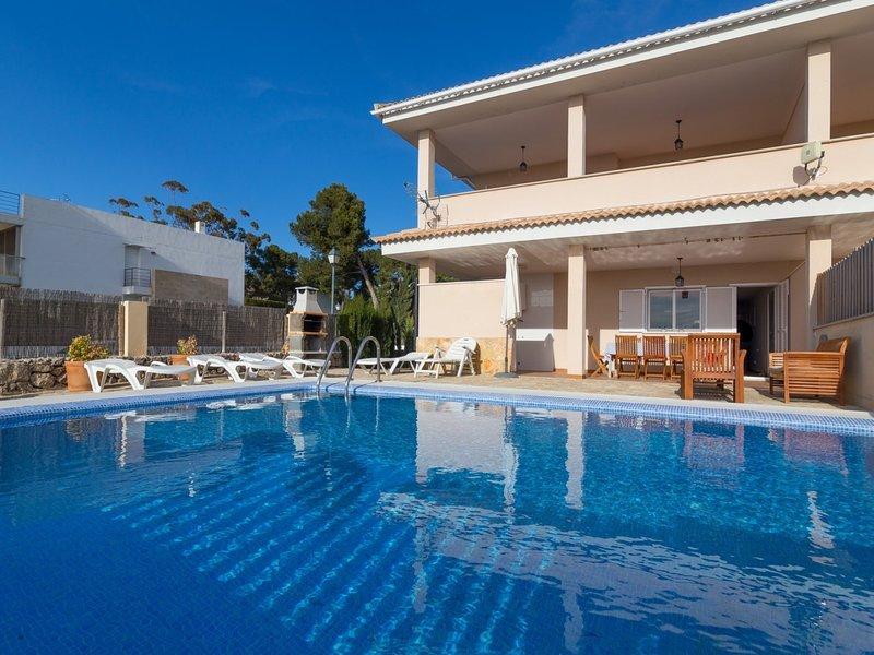 Villa Jeronimo - Beautiful villa with pool in Platja de Muro, location de vacances à Playa de Muro
