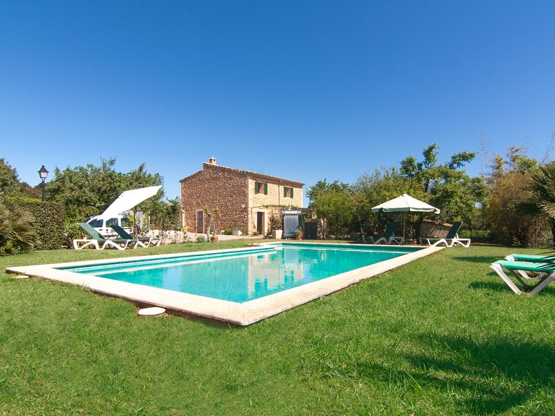 Villa Pontons - Beautiful villa with pool and garden near Campanet, vacation rental in Buger