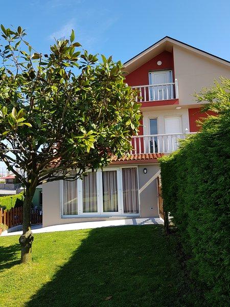 Apartamento de 2 habitaciones en Razo (San Martiño, location de vacances à Bertoa
