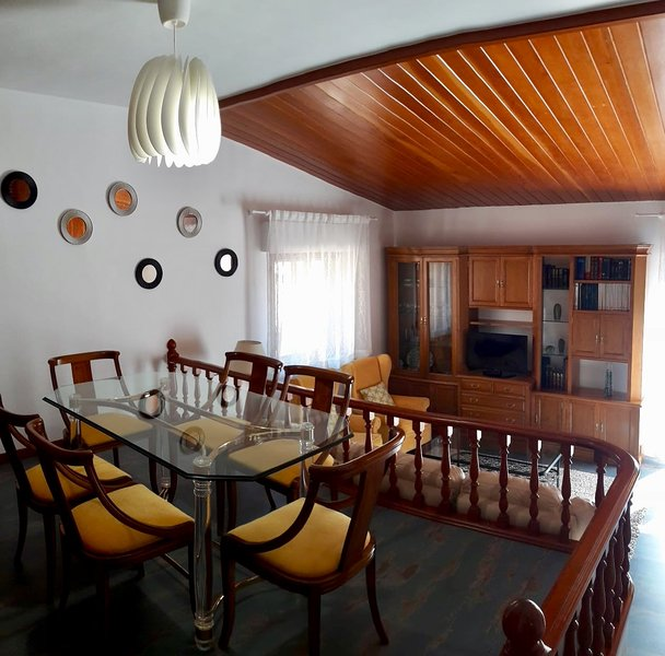Apartment for 9 holidaymakers, holiday rental in Abades