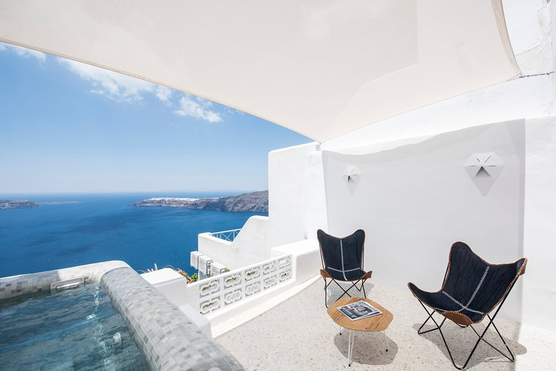 The 'Seascape' Villa with Jacuzzi, Caldera Houses, holiday rental in Imerovigli